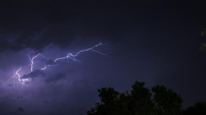 Intensywne opady deszczu z burzami - ostrzeżenie 1 stopnia dla powiatu legionowskiego