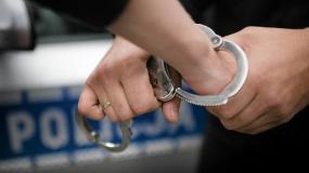 Zbrodnia w Jabłonnie. Podejrzany partner zamordowanej kobiety usłyszał dwa zarzuty.