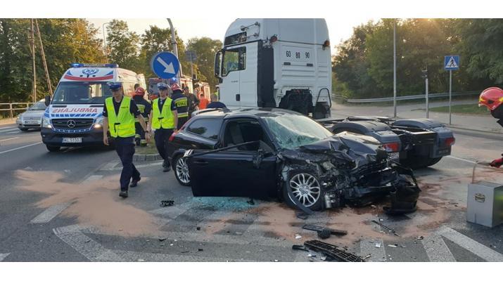 Kolejny wypadek na drodze krajowej nr 61 [Zdjęcia]